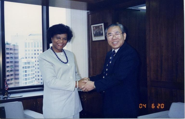 19960620紐約市立學院院長Dr. Yolanda Theresa Moses來訪