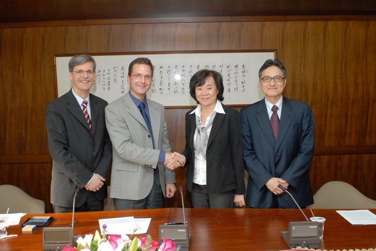 20080324本會促成德國杜賓根大學當代臺灣研究中心與臺灣大學社會系簽訂合作交流案